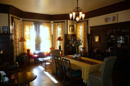 Coombs House Inn: Dining Room