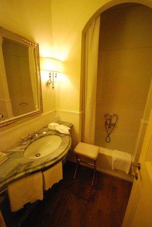Alla Posta dei Donini : Bathroom - excellent shower