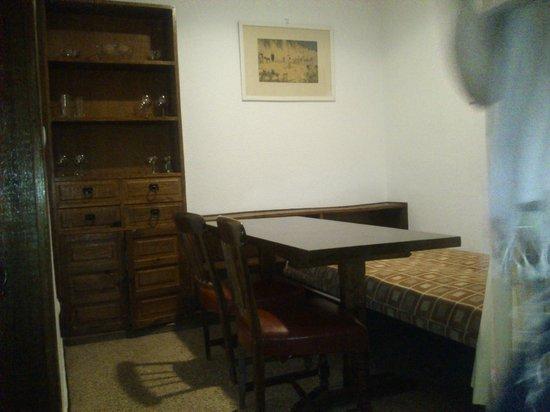 Apartamentos La Nogalera: diningroom