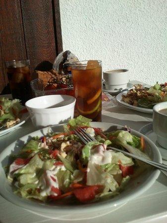 Apartamentos La Nogalera: breakfast