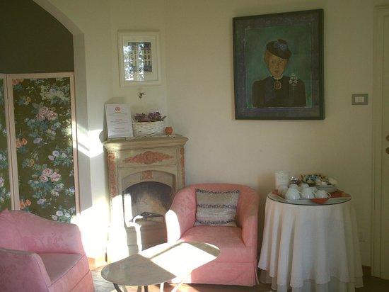 Ape Rosa Relais : salon 2 ème étage