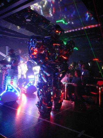 Robot Restaurant : Robot