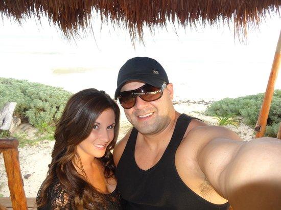Secrets Capri Riviera Cancun: Beach area....
