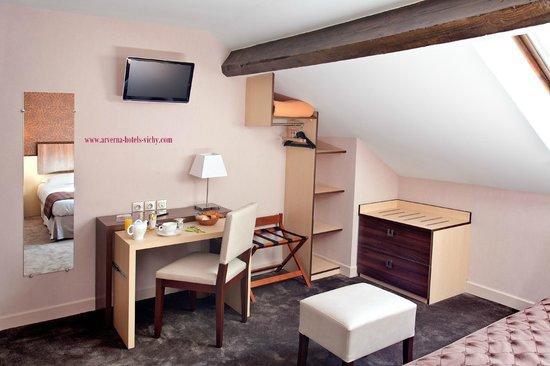Arverna Citotel Vichy : Mobilier Chambre Confort en mansarde