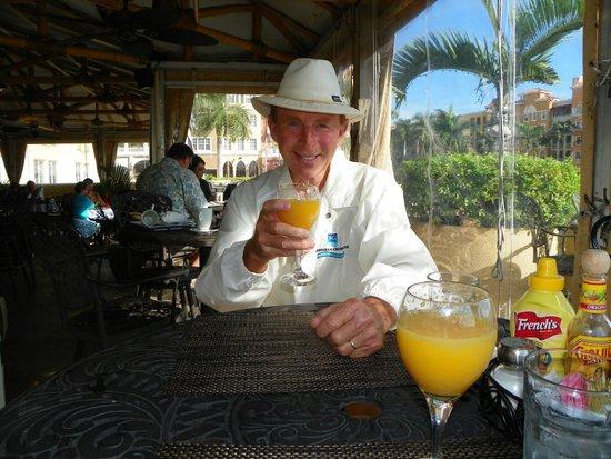 Bayfront Inn 5th Ave: Bill's orange juice with breakfast