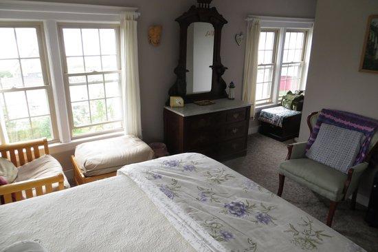 Home Port Inn: Room #7 facing the narrows