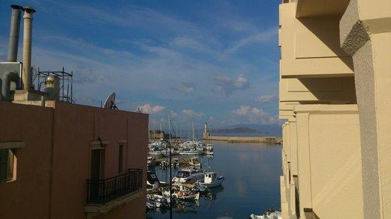Porto Veneziano Hotel: Hafen von Chania (Aussicht vom Balkon)