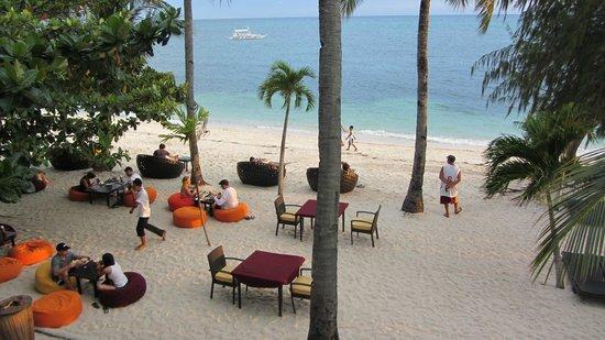 Ocean Vida Beach & Dive Resort: Blick auf den Strand