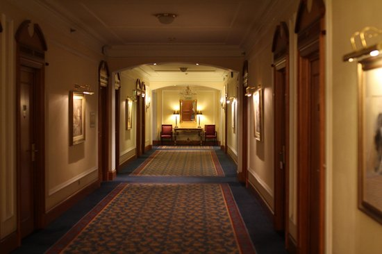 Sofia Hotel Balkan, a Luxury Collection Hotel: Hallway