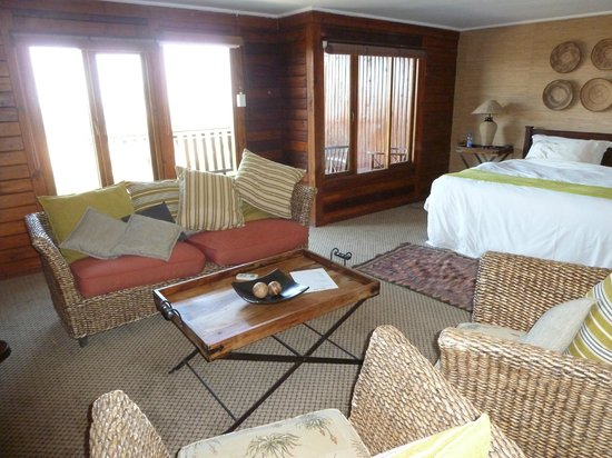 Kariega Ukhozi Lodge : Inside our lodge
