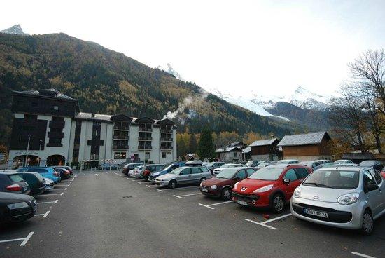 Le Refuge des Aiglons: Free public car park