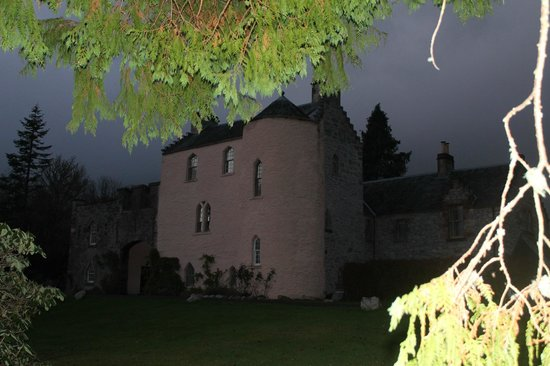 Duchray Castle : As the sun went down