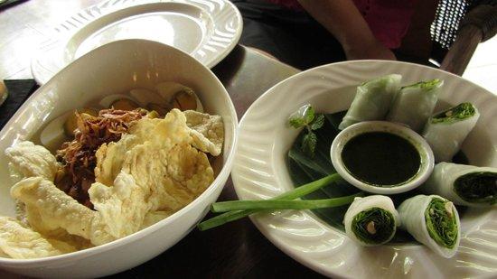 Cinta Inn: Salad Rolls!