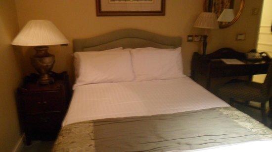 George Hotel of Colchester: Camera da letto