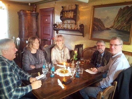 Paulsens Hotell & Cafe: Stilig innredet restaurant med sjel :-)