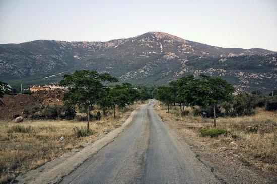 Perdikia Hill: The hill