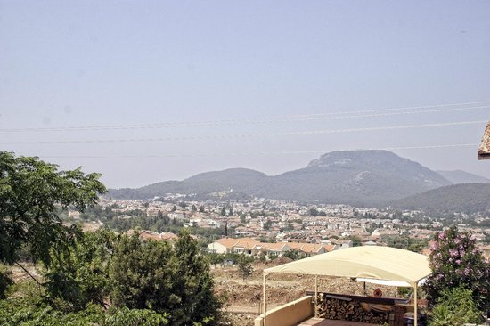 Perdikia Hill : View from dinner