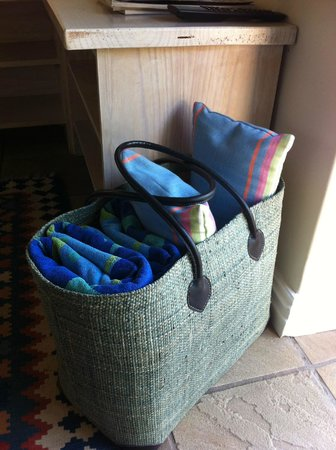 Wild Olive Guest Lodge: Beach bag