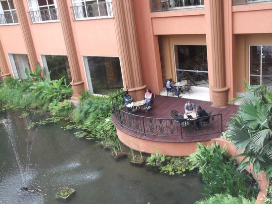 Kampala Serena Hotel: View from 1st floor