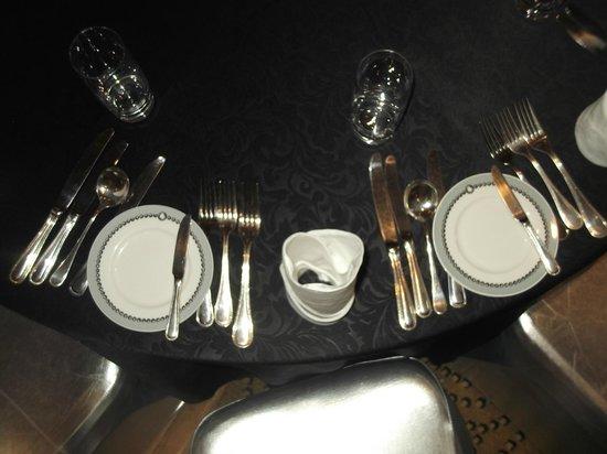 Kampala Serena Hotel: Silver service