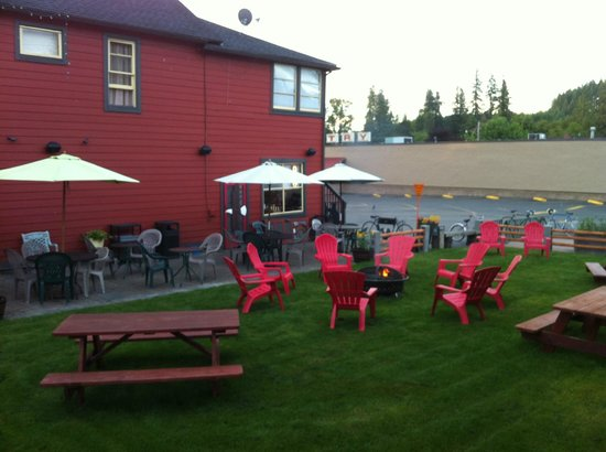 The Black Iron Grill: Black Iron Grill - Outside Seating Area