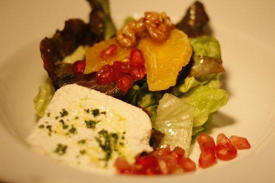 Grana Gastrobar: amanida amb fruita de temporada