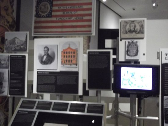 Museum of the City of New York: Exhibits
