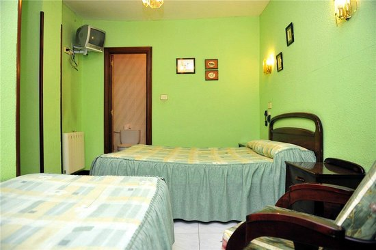 Hostal Ariz: Habitación de matrimonio