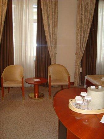 Grand Hotel Union: room