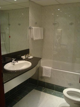 Grand Hotel Union: bathroom