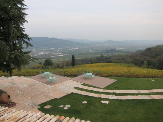Tenuta Le Cave: View from the rooftop.