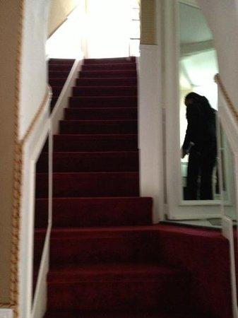 Chateau de la Chevre d'Or : stairs to room