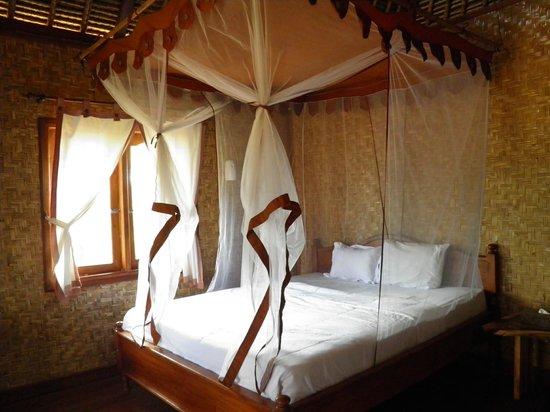 Merta Sari Balangan Bungalows : cama