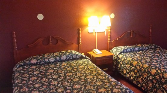 Economy Inn: room 2