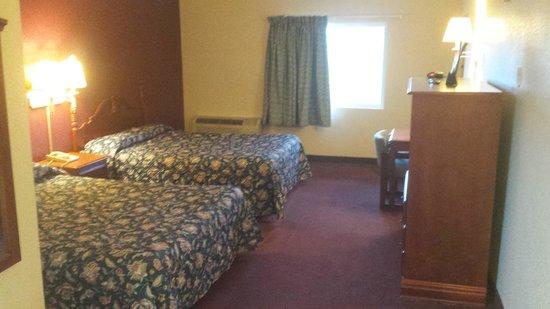 Economy Inn: room2