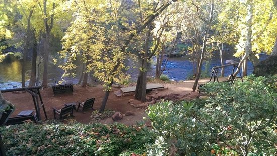 L'Auberge de Sedona: Amazing view from our room of the creek