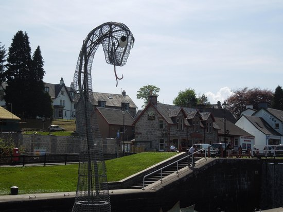 Cruise Loch Ness: Crossing Caledonian Canal