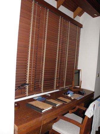 Anantara Dhigu MaldivesResort: zona escritorio