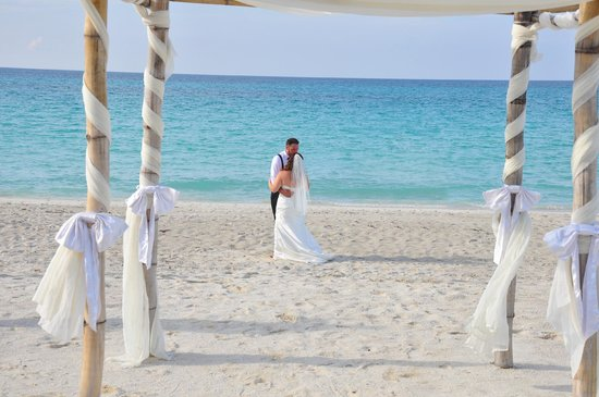 Iberostar Varadero: 1st Dance on Beach, water is so beautiful