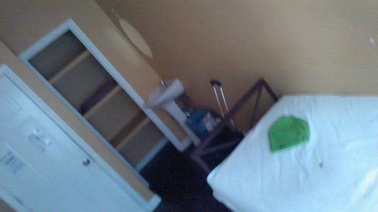 Chelsea International Hostel: Room G11 in 257