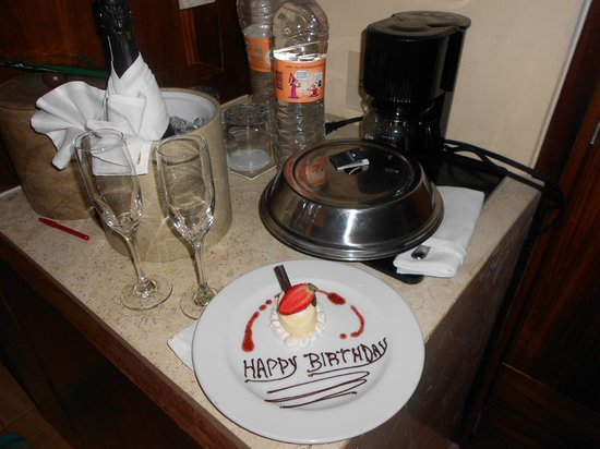Fiesta Americana Condesa Cancun All Inclusive: Mom's Birthday surprise - thank you Fiesta Americana Condesa!