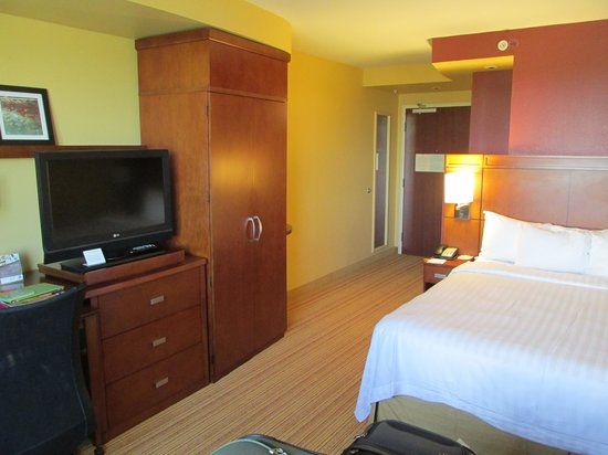 Courtyard by Marriott Miami Airport: Room other view