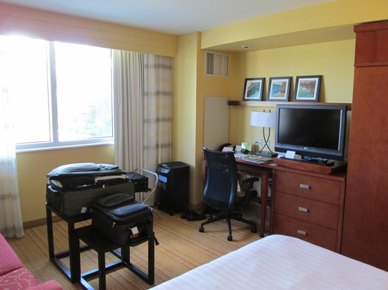 Courtyard by Marriott Miami Airport: Room view