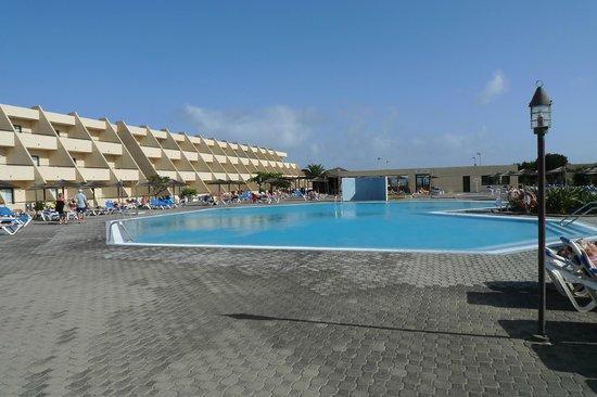 Hotel Coronas Playa: Lower swimming pool. Not heated in October / November.
