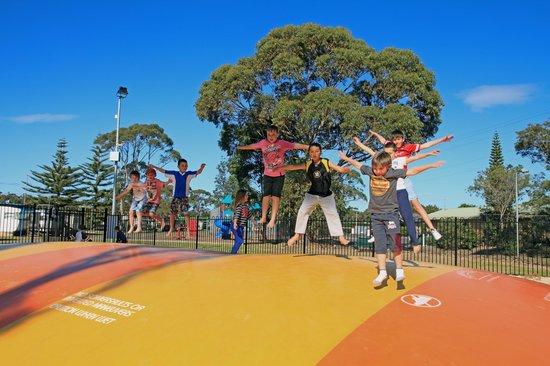Currarong Beachside Holiday Park : Jumping Pillow