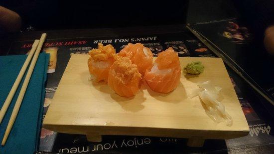 Cizru: Gunkan spicy salmon