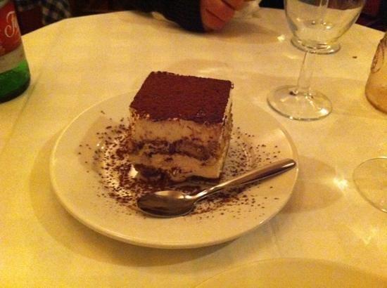 Il Vesuvio Restaurant: Tiramisu