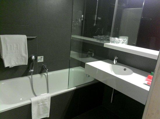 NH Collection Constanza : baño