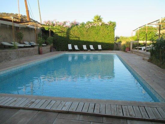 Le Flouka Auberge et Restaurant du Lac : beautiful pool