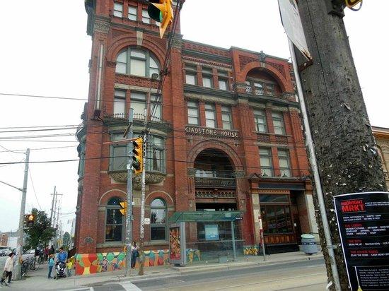 Gladstone Hotel facade